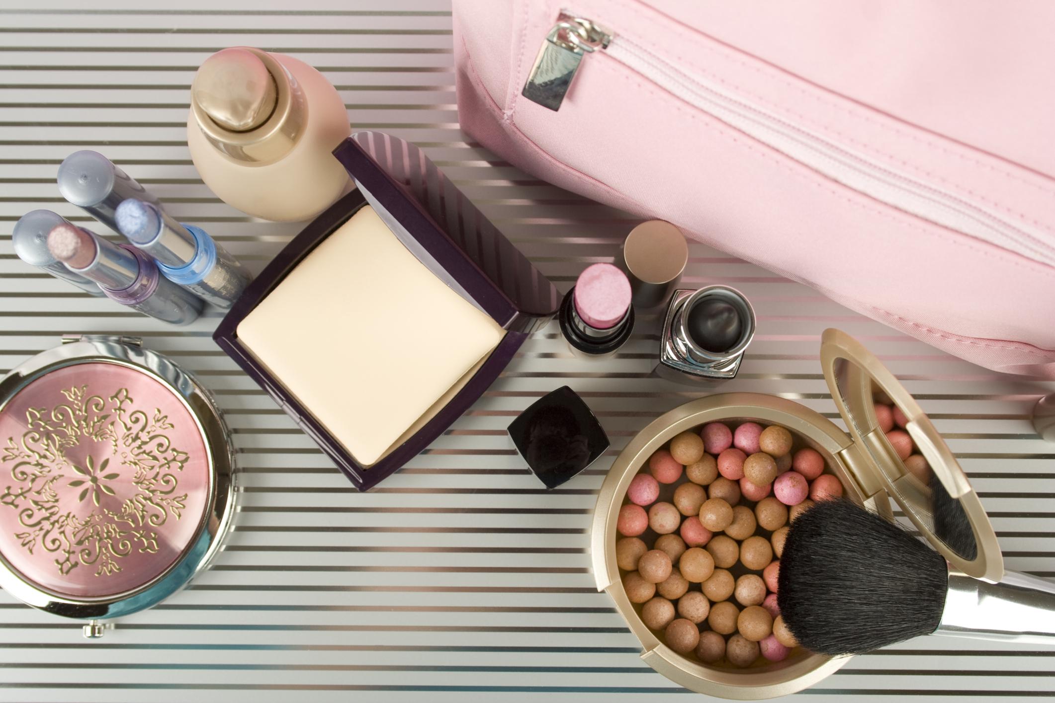 haltbarkeit von kosmetik tipps f r die richtige aufbewahrung. Black Bedroom Furniture Sets. Home Design Ideas