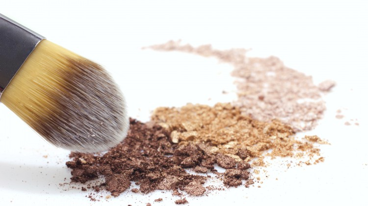 Warum Mineral-Make-up der Haut gut tut