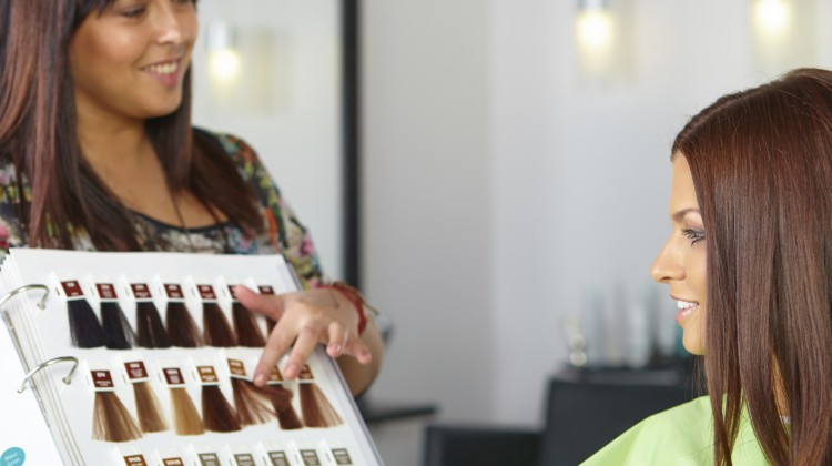 Farbcode beim Haarefärben