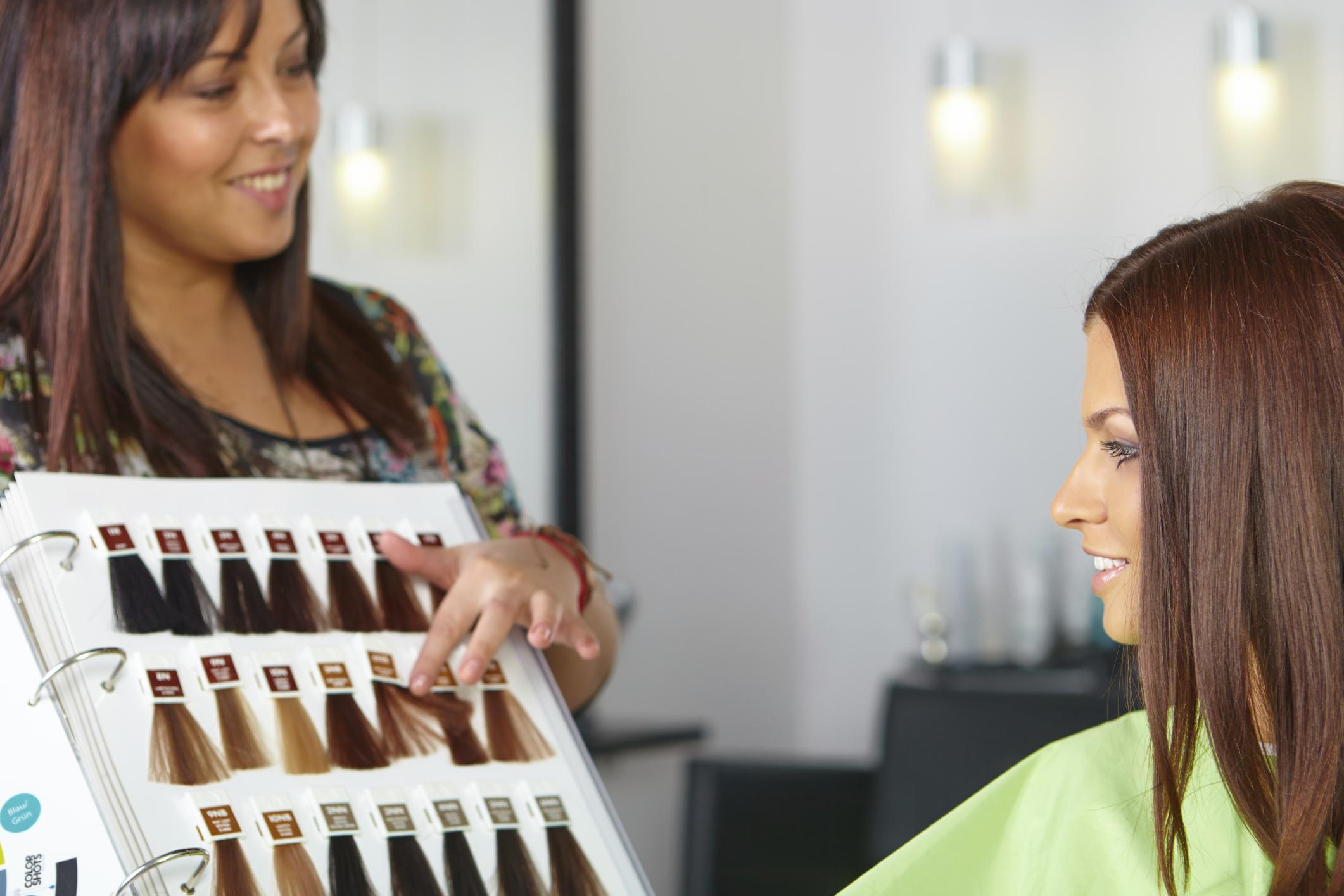 Farbcodes Beim Haarefärben Hilfe Bei Der Farbwahl Kosmetik