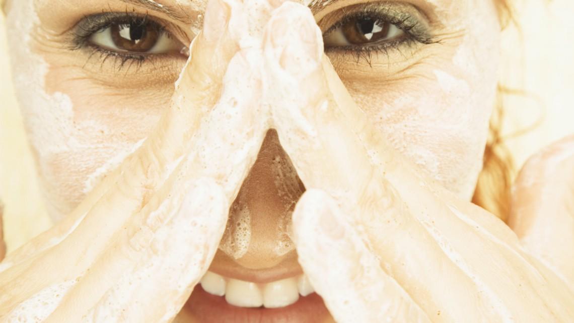 Bei fettiger Haut häufiger Peelen?